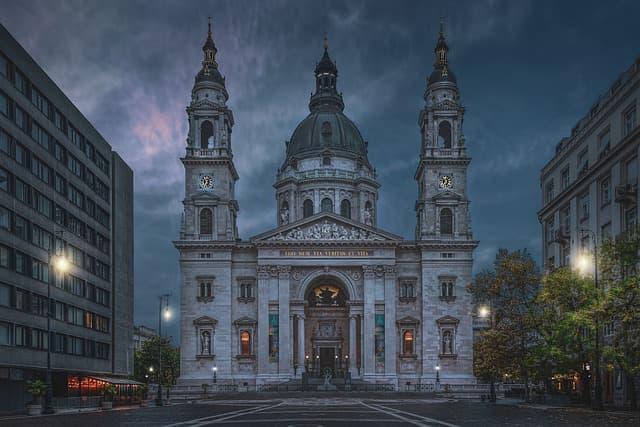 21guides_52_014496300-1619127002_Budapest-Hungria(1).jpg