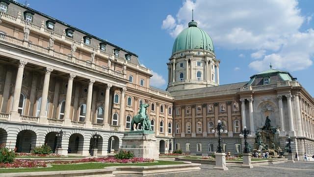 21guides_52_014926400-1619127002_Budapest-Hungria(3).jpg