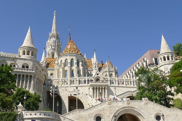 21guides_52_015118500-1619127002_Budapest-Hungria(4).jpg