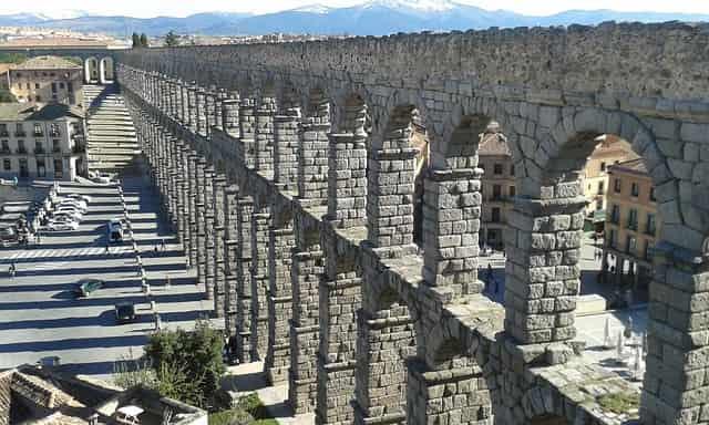 21guides_57_040684200-1625154908_Segovia-Espana(0).jpg